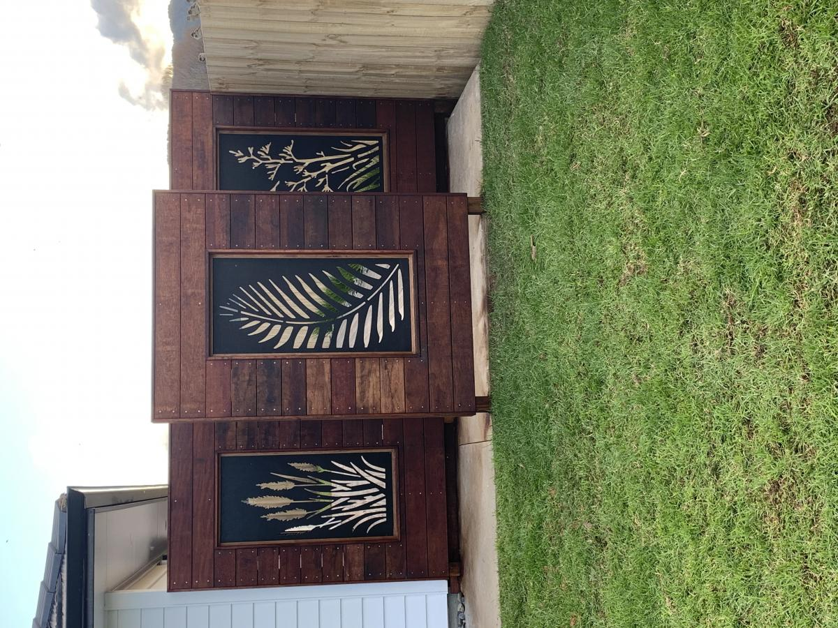 Beautiful screens to give that 'wow' factor and create privacy without a closed in fence.